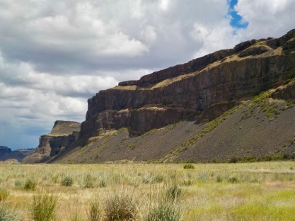 Incredible basalt cliffs